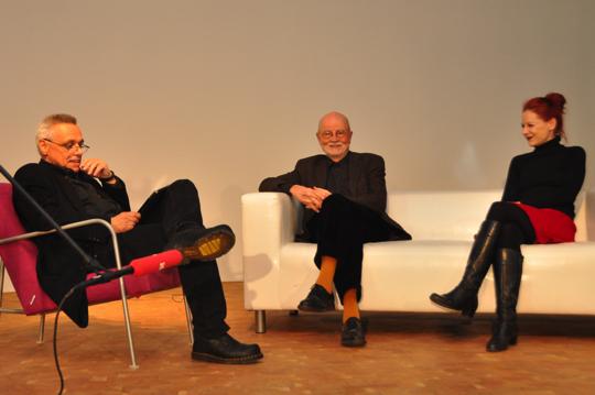 Von links nach rechts: Gundolf S. Freyermuth, Günter Rohrbach, Lisa Goto (Foto: ifs)